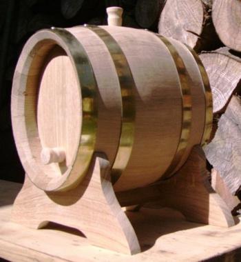 Dubový oválný soudek na víno o objemu 3 l