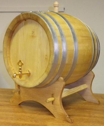 Akátový soudek na alkohol o objemu 15 l
