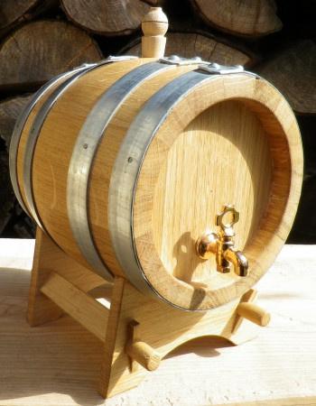 Dubový soudek na víno o objemu 2 l