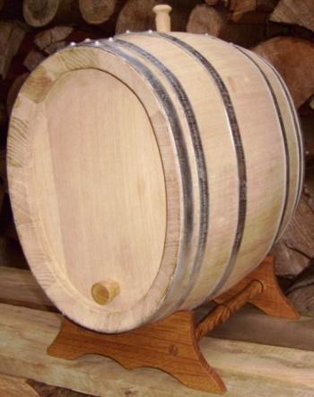 Dubový oválný soudek na víno o objemu 10 l