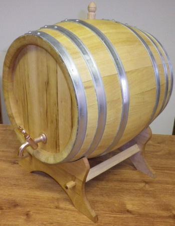 Akátový soudek na alkohol o objemu 20 l