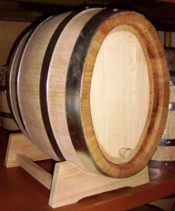 Dubový oválný soudek na zrání vína o objemu 20 l