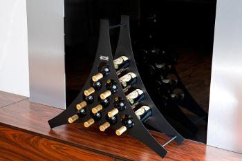 Triangle - stojan na víno